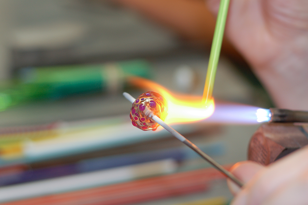 GLASS BEAD MAKING: HOLLOW FORMS